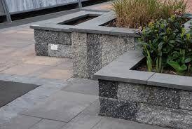Afbeeldingsresultaat voor voorbeelden stenen plantenbakken
