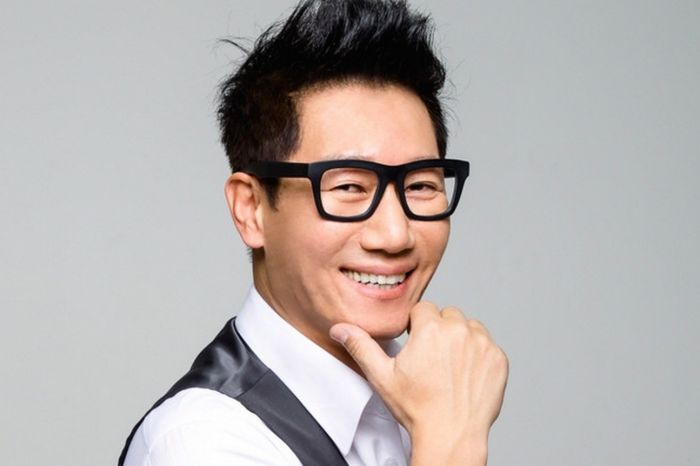 Entertainer Ji Suk Jin Signs with FNC Entertainment | MoonROK