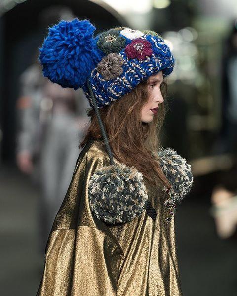 Модные шапки FW 17-18 look by IGOR GULYAEV  В создании шапки использовалась пряжа Wool and Mania