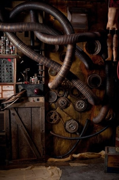 De duikboot bestond uit veel verschillende hoogtechnologische machines. De machines waren erg moeilijk om te maken. Daarom had Aronnax veel bewondering voor kapitein Nemo.