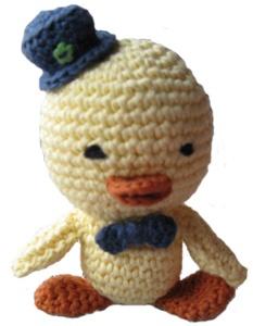 patito tejido en crochet de 12 cms.