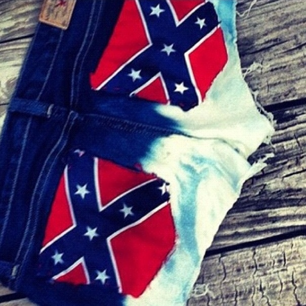 Confederate Flag shorts. Made with a bandanna. You can also sew it on there. I'm so doing this! One pocket with the Confederate glad and one with the American  flag!!