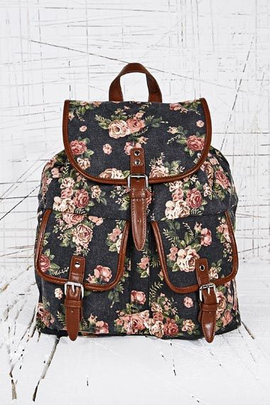 Looking for a new backpack? Check out this amazing floral backpack from Urban Outfitters!