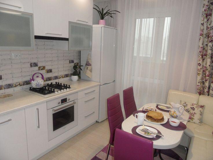Моя кухня - белый глянец плюс фиолетовые акценты