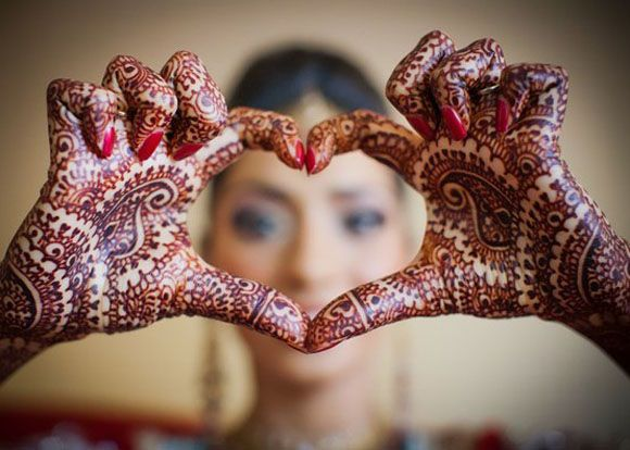 Google Image Result for http://weddingphotography.com.ph/wp-content/uploads/2012/07/01-pakistan-destination-wedding-tradition.jpg