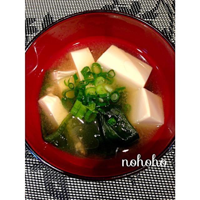 レシピとお料理がひらめくSnapDish - 18件のもぐもぐ - 豆腐とワカメの麦味噌汁 by nohoho