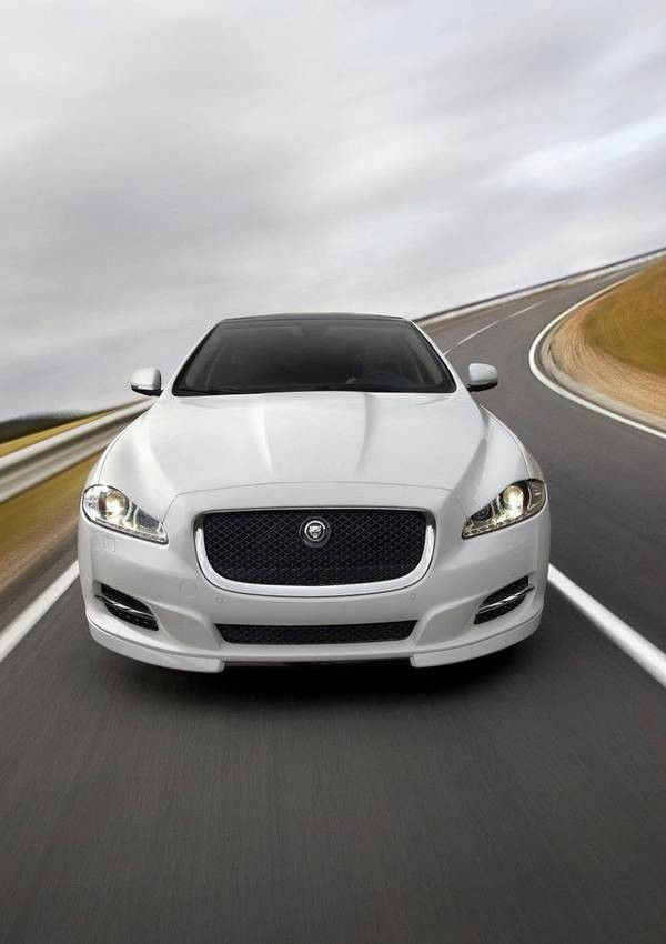 Full Hd Cars Amazing It Turns Out That These Cars Were The Fastest Cars In The World In Addition The Designs Of This C Jaguar Car Jaguar Xf Jaguar Car Logo