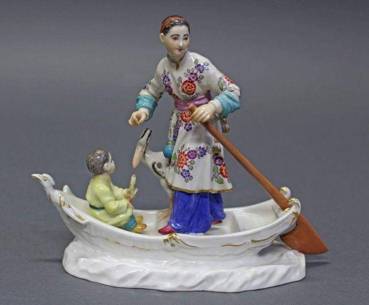 """Porzellangruppe, """"Chinesin mit Kind und Reiher im Boot"""", Meissen, Schwertermarke, 1. Wahl, Modellnum"""