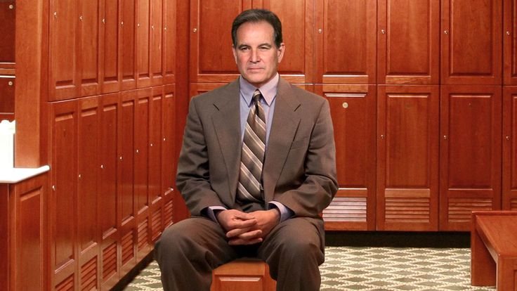 AUGUSTA, GA—Expressing their unease at the veteran sportscaster's behavior as they prepared for the second round of the Masters, multiple golfers told reporters Friday that Jim Nantz has been sitting in the corner of the Augusta National clubhouse locker room and watching them change.