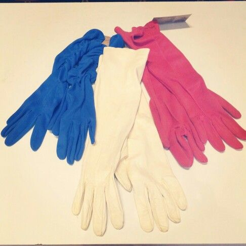 Hey ladies, as the weather cools down, you may be inclined to slip on some gloves. We have some lovely vintage pairs in #cobalt #blue and #coral #red $20 each and the #cream #leather #mid #gloves $25 #hands #gloved #glove #glovelove #getyourgloveson #warmhands #tailored #fingers #Americancolours #America #30fingers
