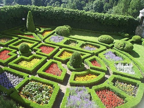 Google Image Result for http://www.architecture-student.com/wp-content/uploads/2010/06/Renaissance-Gardens.jpg