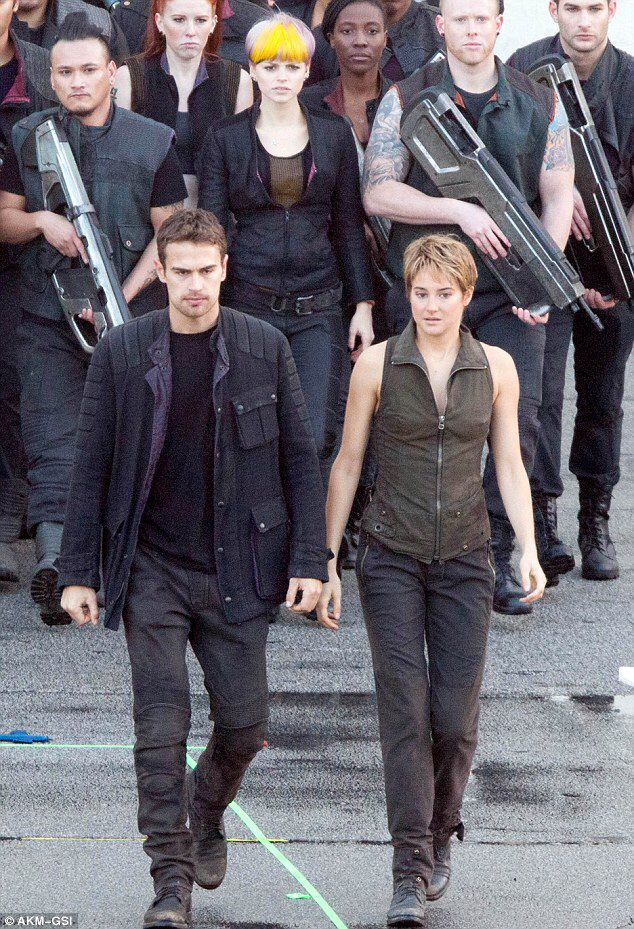 SHEO/FOURTRIS and their Dauntless army on set of INSURGENT (12/19/2014)
