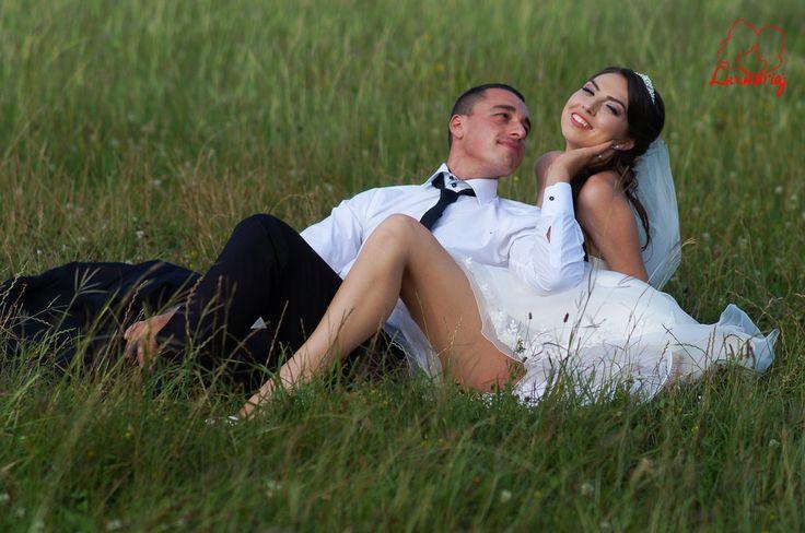 Fotografii nunta Cristina si Ionut pe aerodrom - Iasi 2014