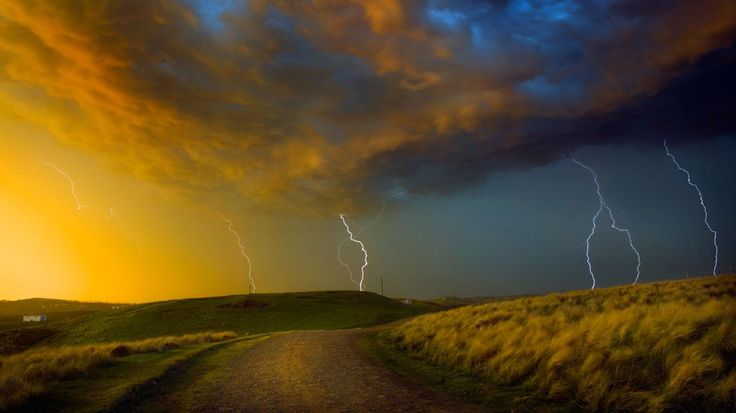 Wild Coast Region, South Africa | Bing fotos: Thunderstorm near Coffee Bay on the Wild Coast region of ...