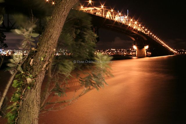 Windy Northcote Point night by Auckland Harbour Bridge | © Elyse Childs Photography