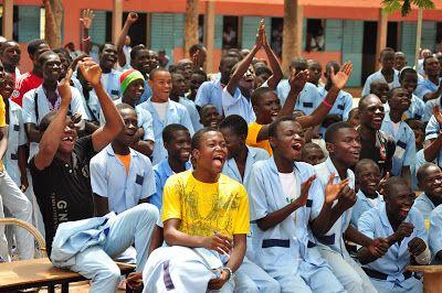 Line der har været volontør i Cameroun i 5 måneder  konkluderer at det er farligt at tage til Afrika - læs om hvorfor...