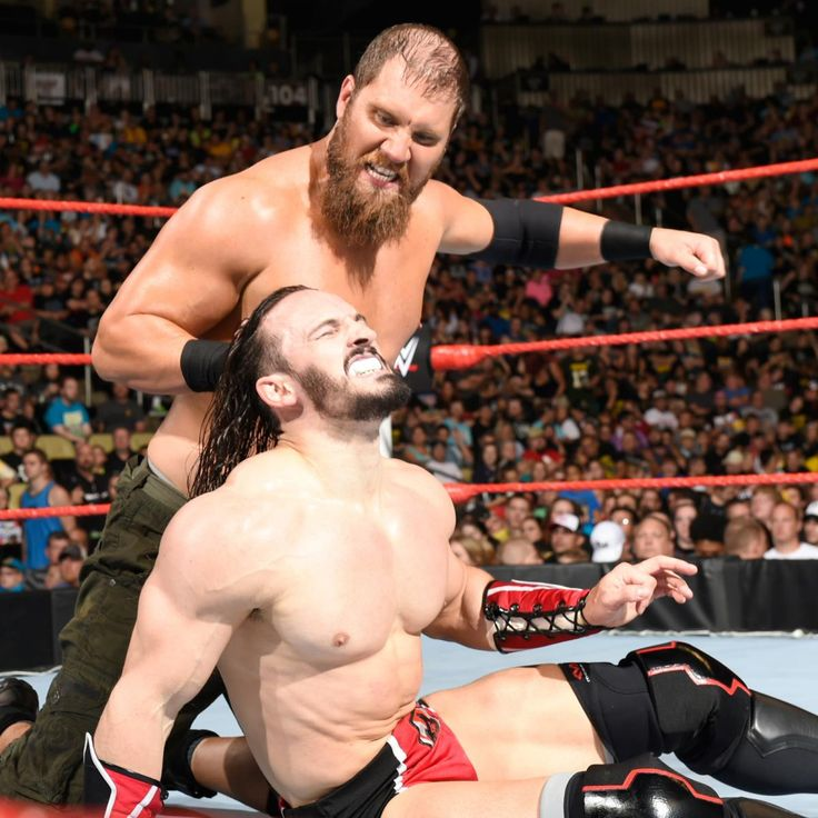 "Neville vs. ""Mr. Irrelevant"" Curtis Axel: Fotos"