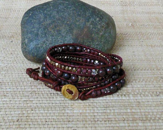 Bracelet de cuir perlé: Bordeaux & or/5 par DevaOriginalBracelet