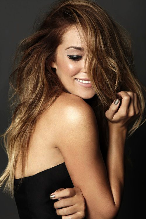 slight ombre Hair and cat-eye eyeliner on Lauren Conrad