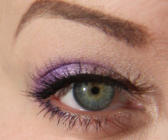 Simple purple eye - Virgin on lid; Flash on outer lid and crease