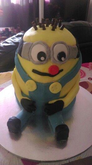 Boy minion cake