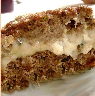 Foto: zarox.com   Ingredientes:   1 kg de carne moída magra  ½ kg de trigo para quibe   ½ xícara de cebola picada  ½ colher de chá d...