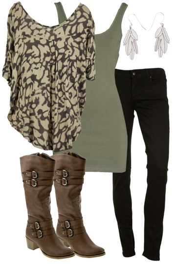 <3 black skinny leg jeans could be my next winter purchase, along with a top like this!