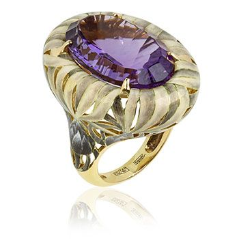 This White Burdock ring in 18ct yellow gold and a 19.25ct amethyst is a perfect example of his the influences and craftsmanship of western and eastern cutlure to create unique masterpieces.