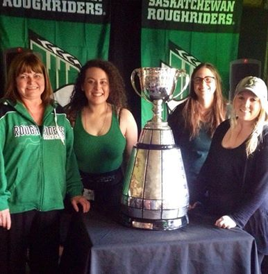 The Grey Cup visited Whitehorse in April 2014 and stayed at the Best Western Gold Rush Inn where it was welcomed by the Gold Pan Saloon Staff!