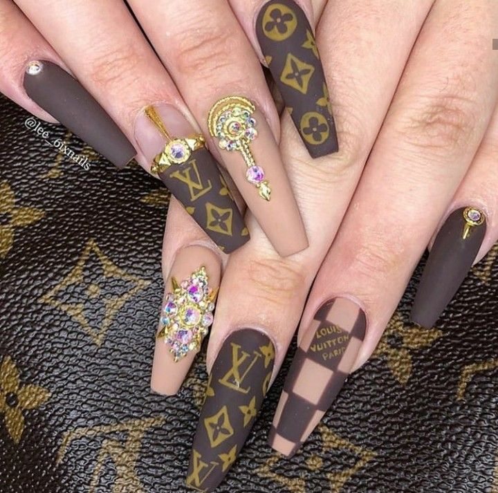 Lv Nail Inspo Burberry Nails Gucci Nails Beautiful Nails