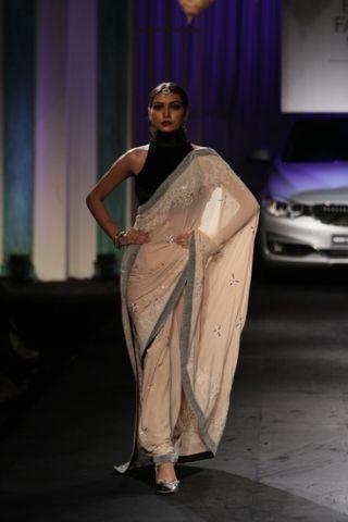 Meera & Muzaffar Ali. IBFW 14'. Kotwara. Indian Couture.