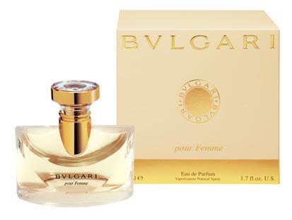 Bulgari - Pour Feme - um dos poucos florais que gosto, cheiro inconfundível, pena ser tão caro