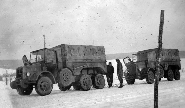 """camiones húngaros """"38M Rába Botond"""" en el frente oriental."""