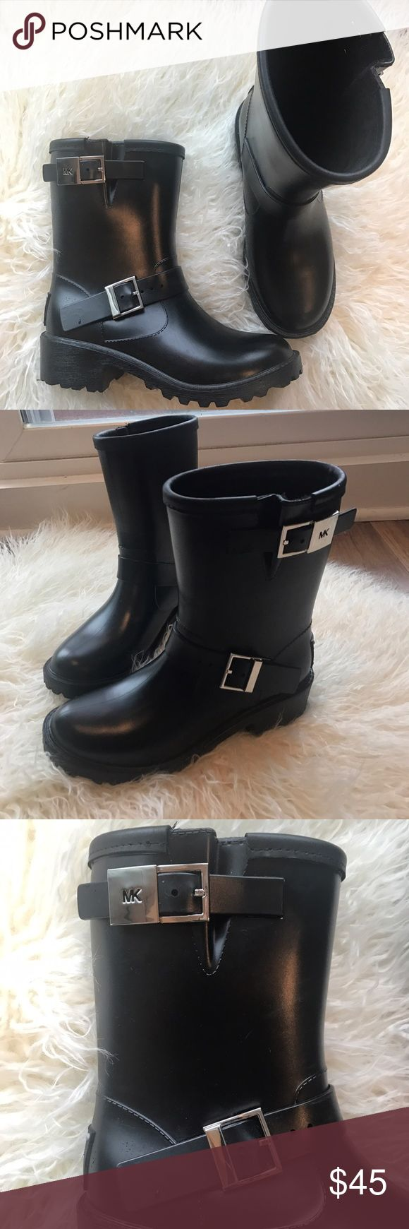 Michael Kors Combat Rain Boots Michael Kors Combat Rain Boots. Fashionable and fun rain boots with silver hardware buckles. Very comfortable and super cute when you have to wear rain boots! Worn once and in great condition. Michael Kors Shoes Winter & Rain Boots