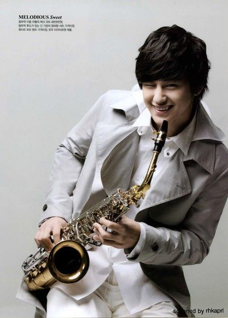 Why can't he live in the US? He is just great #kimbumforlife