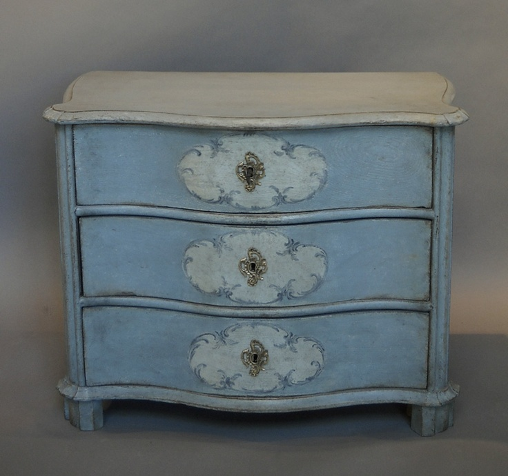 Genial Painted Detail On Front Of An Antique Swedish Chest Of Drawers
