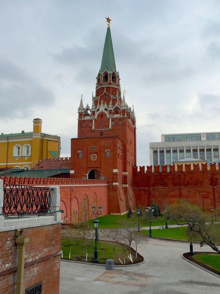 Kremlin entrance - Moscow. Троицкая башня Кремля.