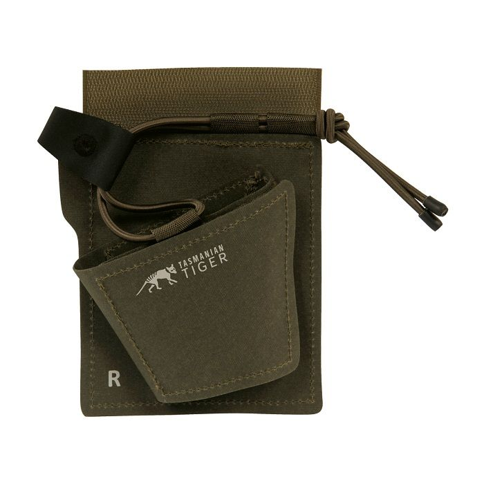 Inernal holster van Tasmanian Tiger. Verstelbaar vlak klittenband holster gemaakt van TPU CORDURA® 700 DEN. Bevestig pistolen en revolvers in tassen.https://www.urbansurvival.nl/product/internal-holster/