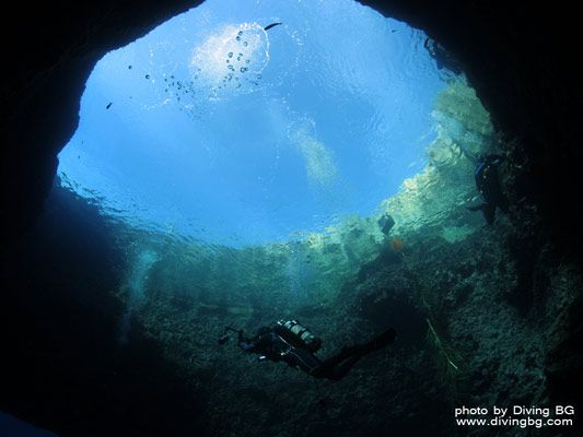 Diving at the Blue Hole and Azure Window, Gozo, Malta. Deep blue waters, reef, ocean dwellers , a swim-through, a cave and large boulders. I'm going here!