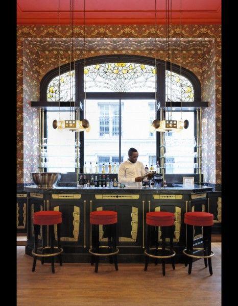 Bambi Sloan revisite le restaurant Les Climats, Paris.