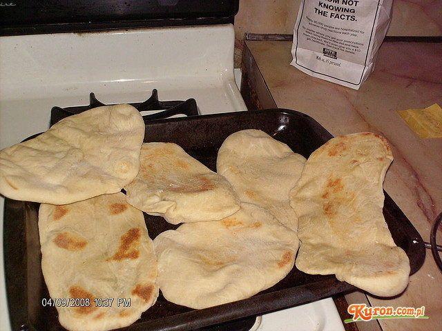 Klasyczny indyjski chleb Naan