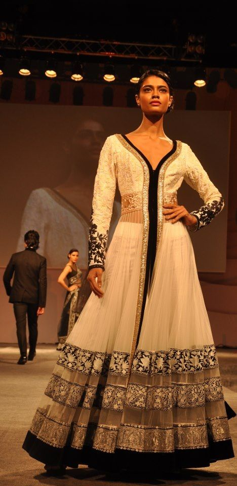Gorgeous outfit by manish malhotra