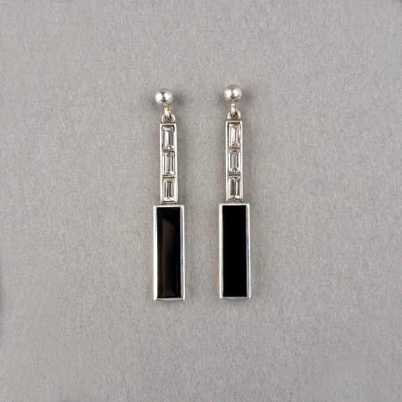Art Deco Oorbellen Repeat. Verkrijgbaar bij artdecowebwinkel.com. - Art Deco Earrings Repeat. Available at artdecowebstore.com.