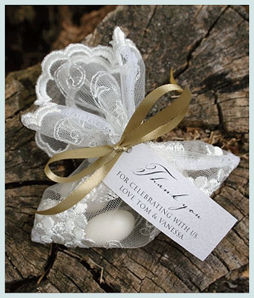 Did You Know That Giving Five Sugared Almonds To Each Wedding Guest Is Italian Tradition The Signify Wishes For Health