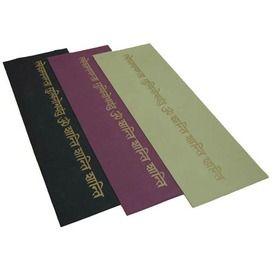 slijtvaste lichtgewicht yogamat met gouden mantra print, 4mm, gratis draagkoord