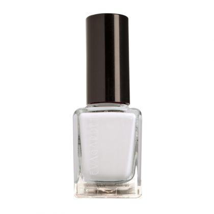 nail polish 611 white snow EVAGARDEN
