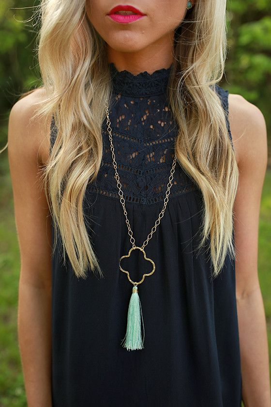 Graceful Days Tassel Necklace in Mint