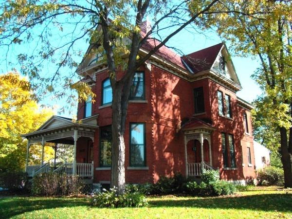 99408c617d68ccb77808e5e7c5fc71fe  Red Brick Homes House Porch