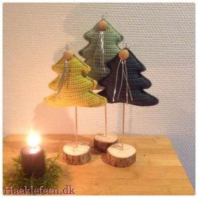 Hæklede juletræer ? Tre skønne juletræer, med fyld og på træfod?? Opskriften er lavet efter inspiration fra nettet?☺️ Opskrift: Hæklet juletræer på fod Bomuldsgarn Nål nr 2,5 Træspyd, fyld og andet pynt. Fm fastmaske Lm luftmaske Km kæde...