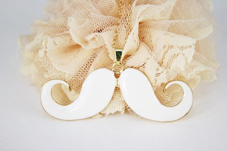 Huge white & Golden moustache (grote snorren ketting)